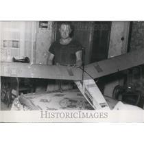 1954 Press Photo Albert Vandewalle With Model Radio Guided Plane Found