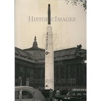 1958 Press Photo Model Of US Pioneer rocket in Paris - KSB41585