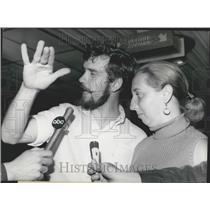 1968 Press Photo Released Passengers Of Hijacked Boeing Jet Being Interviewed