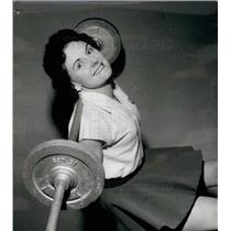 1959 Press Photo Mrs. Jean Leamey ,housewife and weightlifter - KSB16903