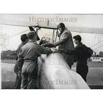 Press Photo Major Maunde Thompson Teaching Flying Students