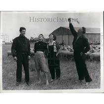 1955 Press Photo Jean Salis, Rachel, Jean, Irene, Channel Flight - KSB52187