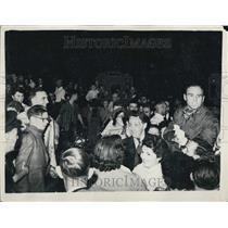 1955 Press Photo History Making Flight Ends At London Airport