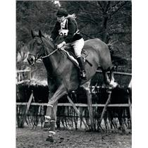 """1971 Press Photo Princess Anne Riding """"doublet"""" The Steeplechase Course"""