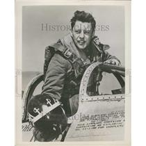 1953 Press Photo Royal Air Force Pilot James Ryan Flight Leader North Korea