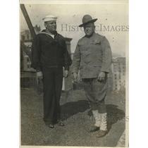 1918 Press Photo  Seaman Henry Elionsky & soldier Frank Leavitt of US Army