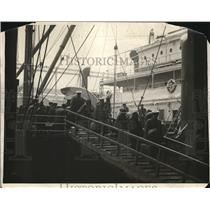 1923 Press Photo Arrival of Army troop ship at St Mihiel, France