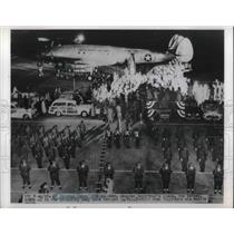 1951 Press Photo Gen.Douglas MacArthur's Plane Bataan at S.F. Intl. Terminal.