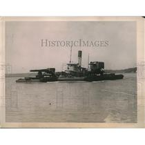 1922 Press Photo Big naval Gun down the river to be tested at Indian Head.