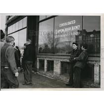 1938 Press Photo Cass Lake MN Chippewa Agency HQ & Indian pickets