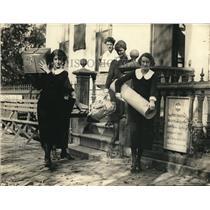 1922 Press Photo Mrs CH madonatea Natl Women's Part at office bldg