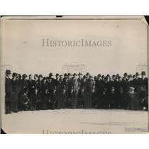 1919 Press Photo War Risk Ins Bureau R Cholmelcy Jones & American Legionaires