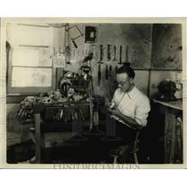 1928 Press Photo Willie Petersen at His Workbench