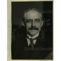 1921 Press Photo Dr Powell College pres raises funds for small colleges
