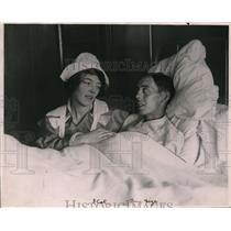 1916 Press Photo Arthur Waldstein & nurse Pearl Henderson wed