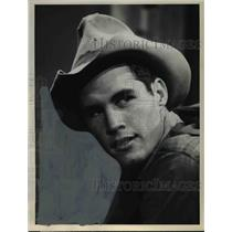 1964 Press Photo Hickman Hill stars in Gunsmoke western TV show - orp16038