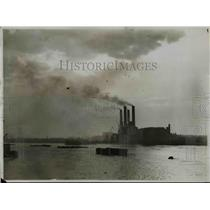 1929 Press Photo Atmospheric pollution over London England from factories