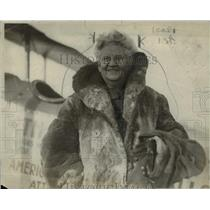 Press Photo Mrs Draper Smith after taking a flight