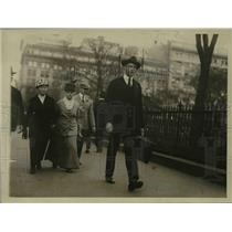 1920 Press Photo Sidney Schoenfeld recieved Legion of Honor medal in France