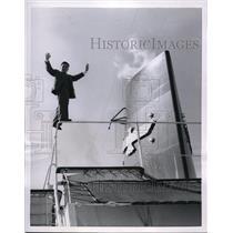 1955 Press Photo San Francisco Usue Takeo on tightrope on ship President Wilson