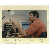 1998 Press Photo Tim Clark