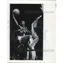 1978 Press Photo Walter Davis goes over Portland Trailblazer defender - ora16076