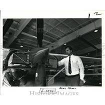 1985 Press Photo Bernie Coleman, president of AAR Western Skyways in Troutdale