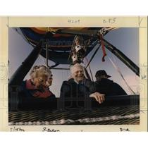 1992 Press Photo Charles Hayward & wife Ruth lift off in the first balloon ride