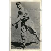 1935 Press Photo Ed Brandt, Pitcher for Boston Braves - ora01154
