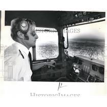1971 Press Photo Joel Chamberlain Airplane and Helicopter Pilot. - ora02004