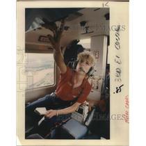 1990 Press Photo Barbara Dubbert, a flight nurse with Light Flight - ora17090