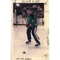 1986 Press Photo Tony Boyd trying out for the US Hockey Olympic team - ora02891