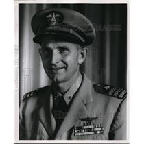 Press Photo Commander L.W. Fischer U.S. Naval Aviator - ora29742