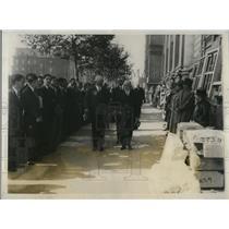 1928 Press Photo Dr. K. Matheson & Mr. C.H.K. Curtis en route to ceremonies