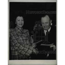 1941 Press Photo San Francisco Mrs Ruth Fakhouri & Louis Tagones at Bay Meadows