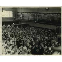 1929 Press Photo Activity of New Securities Market of Chicago Board of Trade