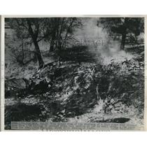 1948 Press Photo Coalinga Calif DC-3 plane crash killed 32 persons