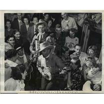 1946 Press Photo A cowboy band provides music during the train trip