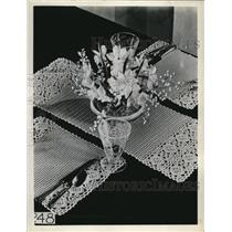 1927 Press Photo Crochet Placemata and Table Runner