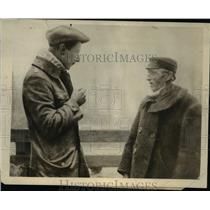 1919 Press Photo Ex Crown Prince William of England Talking w Dutch Neighbor