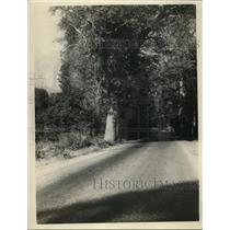 1926 Press Photo Stretch of all-year round road into Yosemite