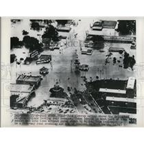 1949 Press Photo Arlington Heights citizens looking over flood damages