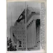 1962 Press Photo Jackson Miss The US flag and the Mississippi State flag at half
