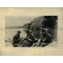 1930 Press Photo Army Engineer Battalion members surveying the route