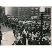 1934 Press Photo The communists march from Michigan Avenue to Grant Park