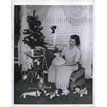 1950 Press Photo Christmas Tree