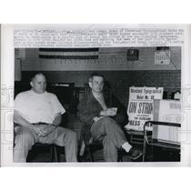 1963 Press Photo Cleveland Ohio Stan Griffin & Joe Simek at printers union hall