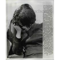 1967 Press Photo Mrs Vladimir Kazan-Komarek waits tearfully for a call