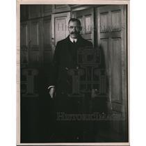 1923 Press Photo Peter Zubick rep of a Vladisvostock firm