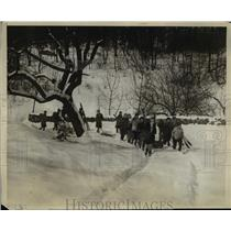 1930 Press Photo Camp Edith Mcythe NY Girl Scouts hike in the snow